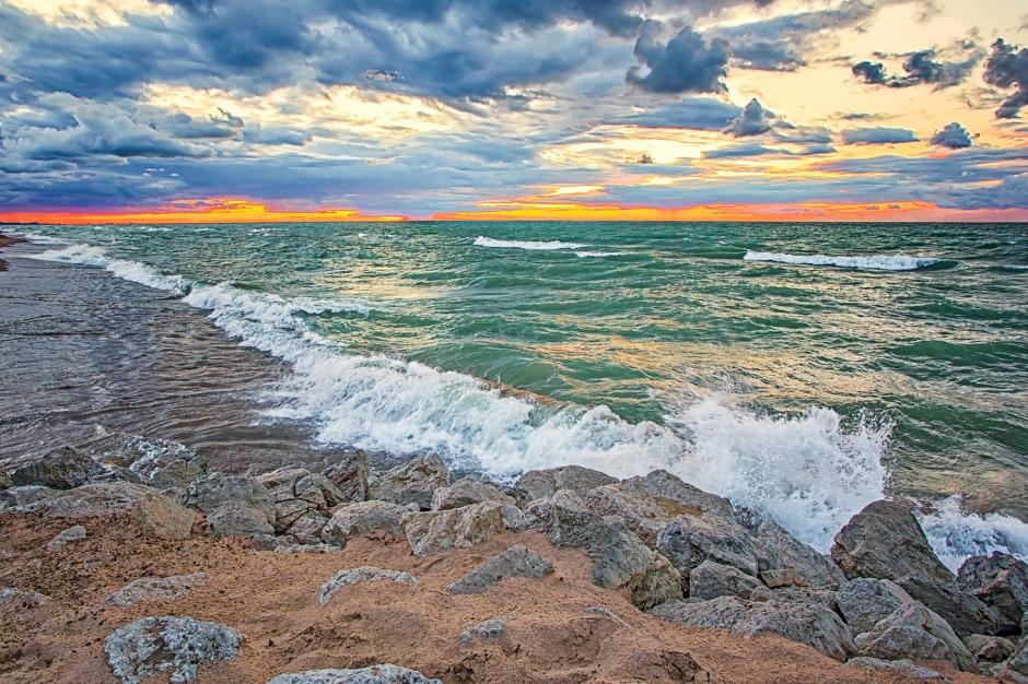 Late Lakeshore Waves