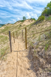Trail to Mt Baldy Beach