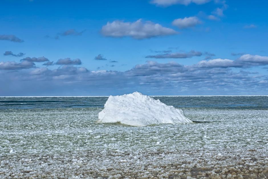 Iceberg at Kemil Beach